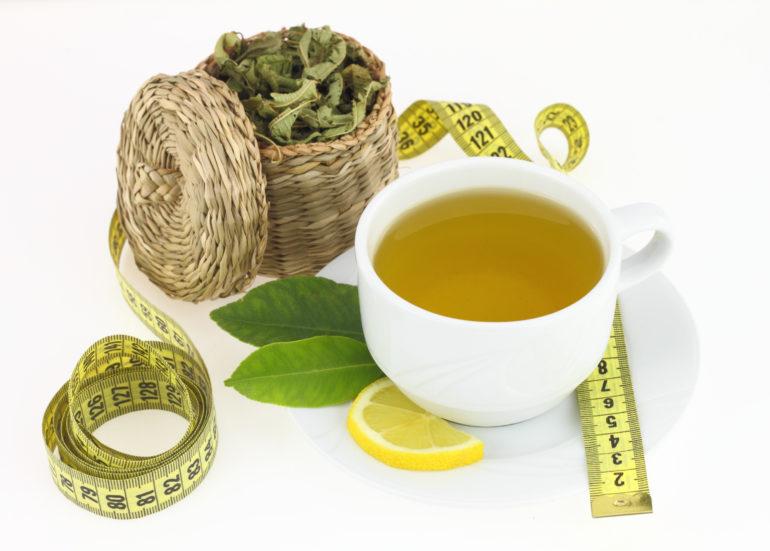 Hinduistischer grüner Tee hilft beim Abnehmen
