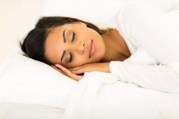 Schlank im Schlaf - so aktivieren Sie die Fettverbrennung in der Nacht