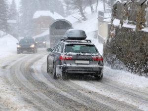 Das Auto im Winter: Lackpflege und Co.