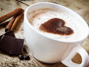 Schokoladen-Kaffee mit Zimt